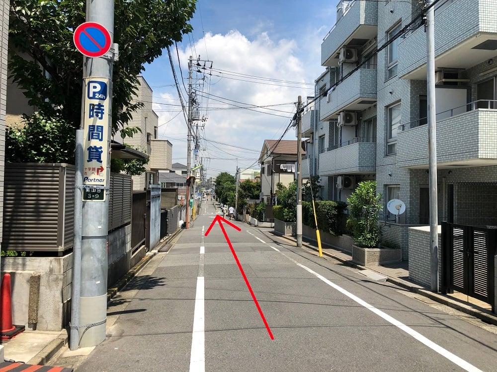 左折先直進道路