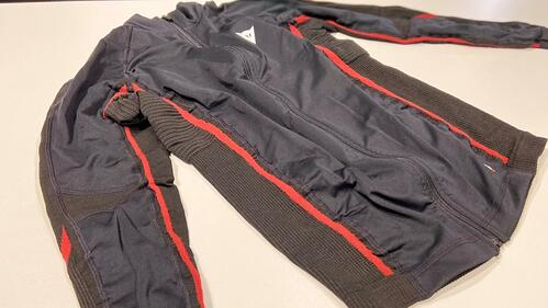 2020-11-28D-CORE NO WIND THERMO TEE LS斜め前