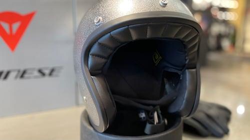 AGV X70 内装