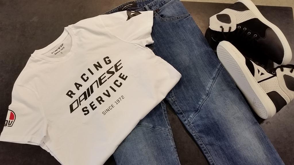 新作のTシャツ『RACING SERVICE T-SHIRT』が入荷です♪