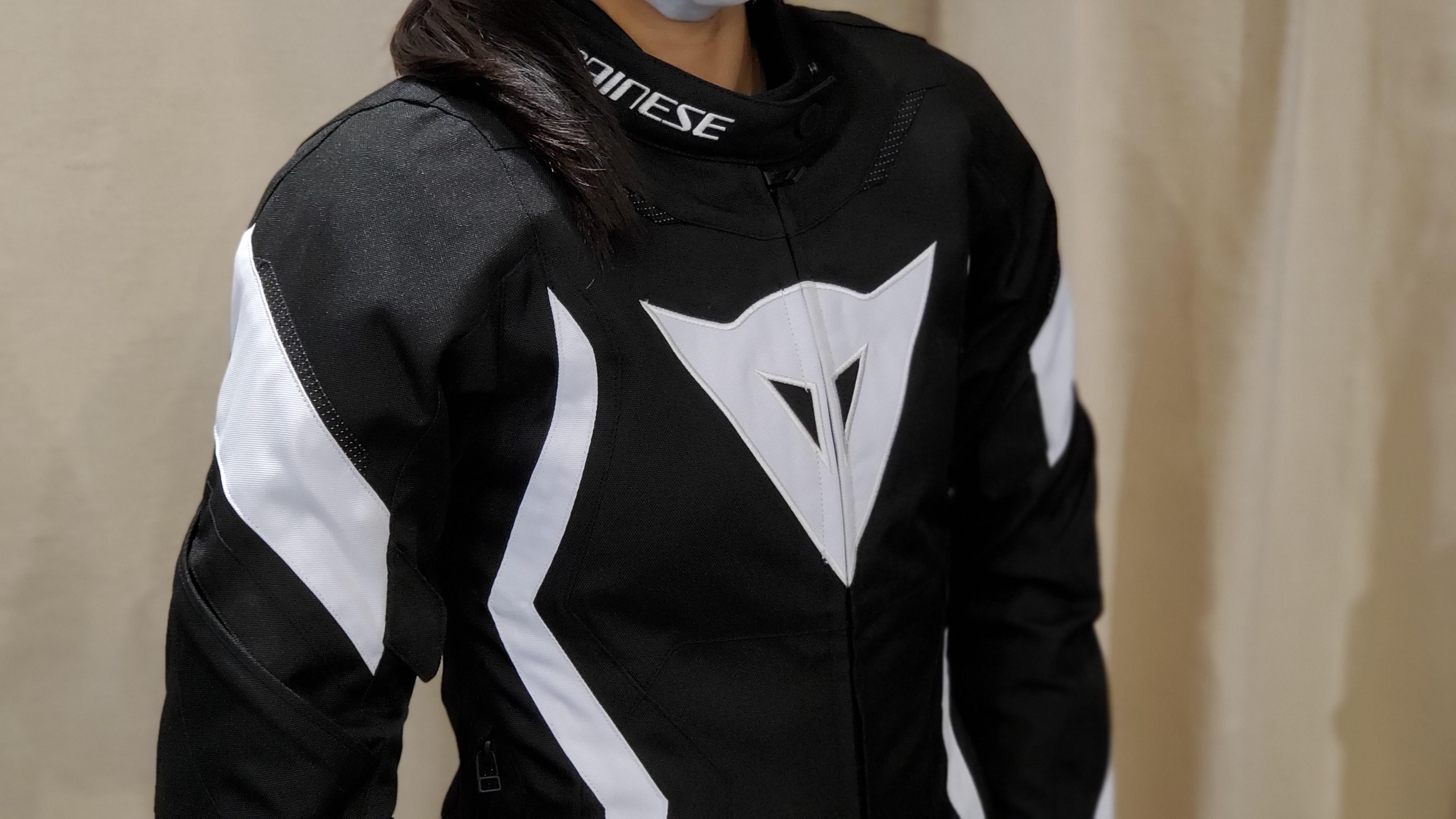 ジャケットのモデル別でのサイズ比較 ~レディース~