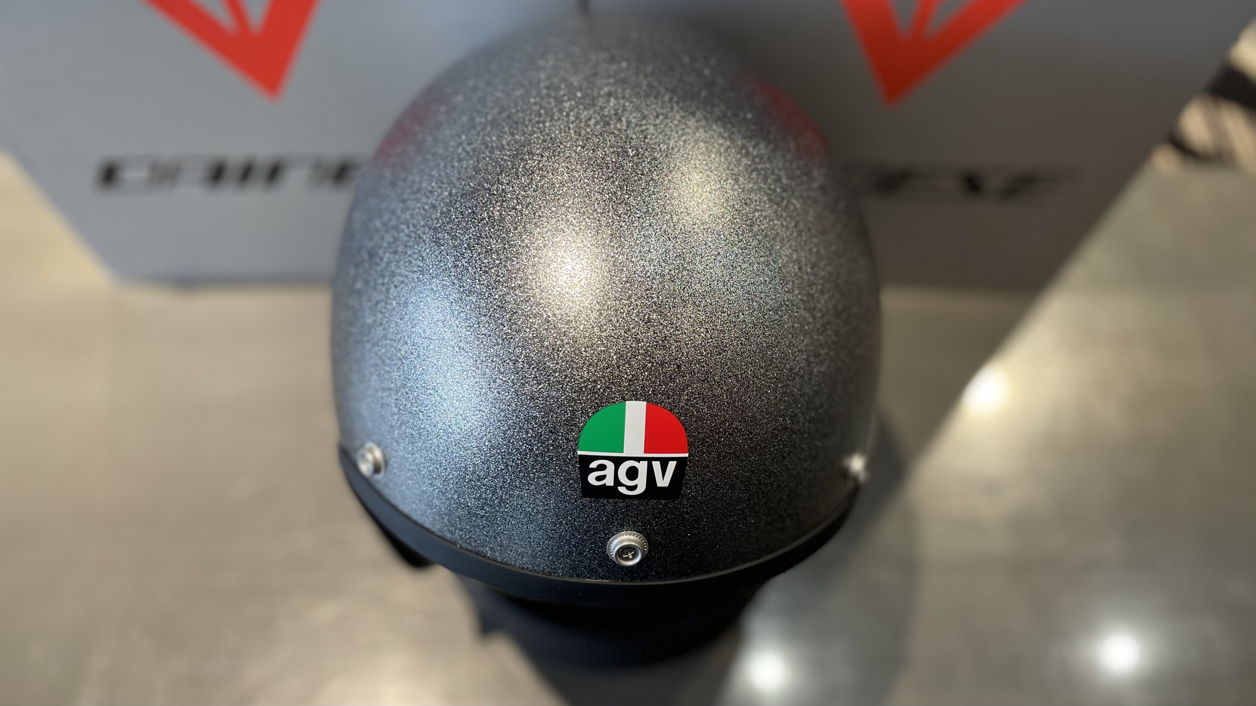 新色モデルAGV X70 -FLAKE GREY- のご紹介