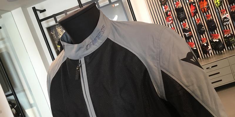 ソフトプロテクターで気軽に着れる新作メッシュジャケットのご紹介