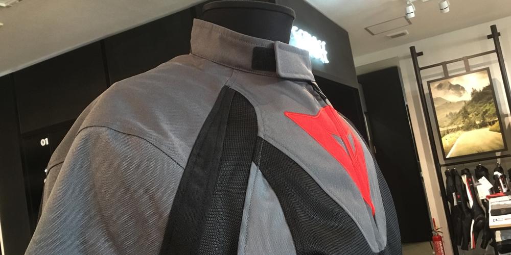 普段使いにおすすめの新作メッシュジャケットのご紹介