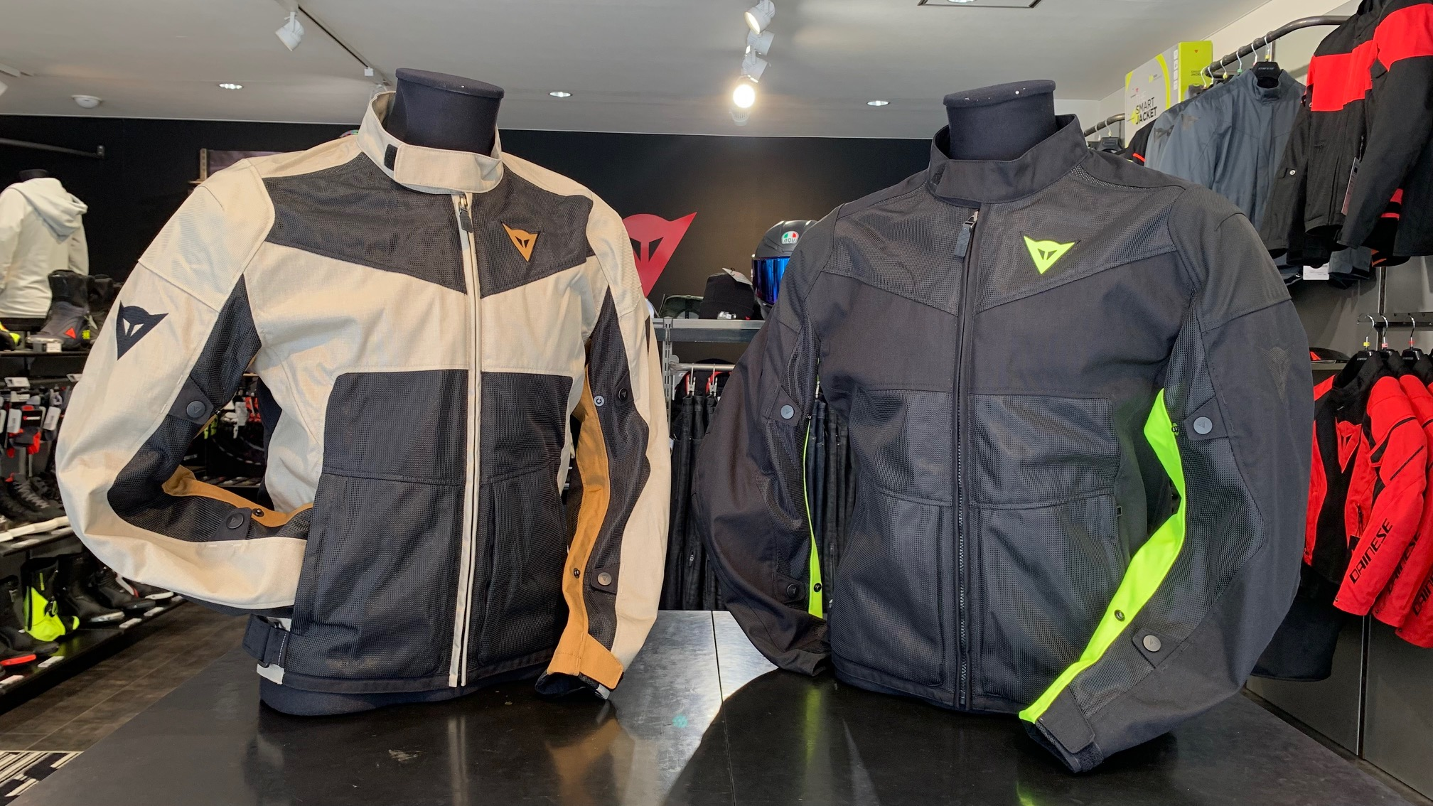 最適な防水性と快適性を備えたジャケット【SAURIS 2D-DRY】