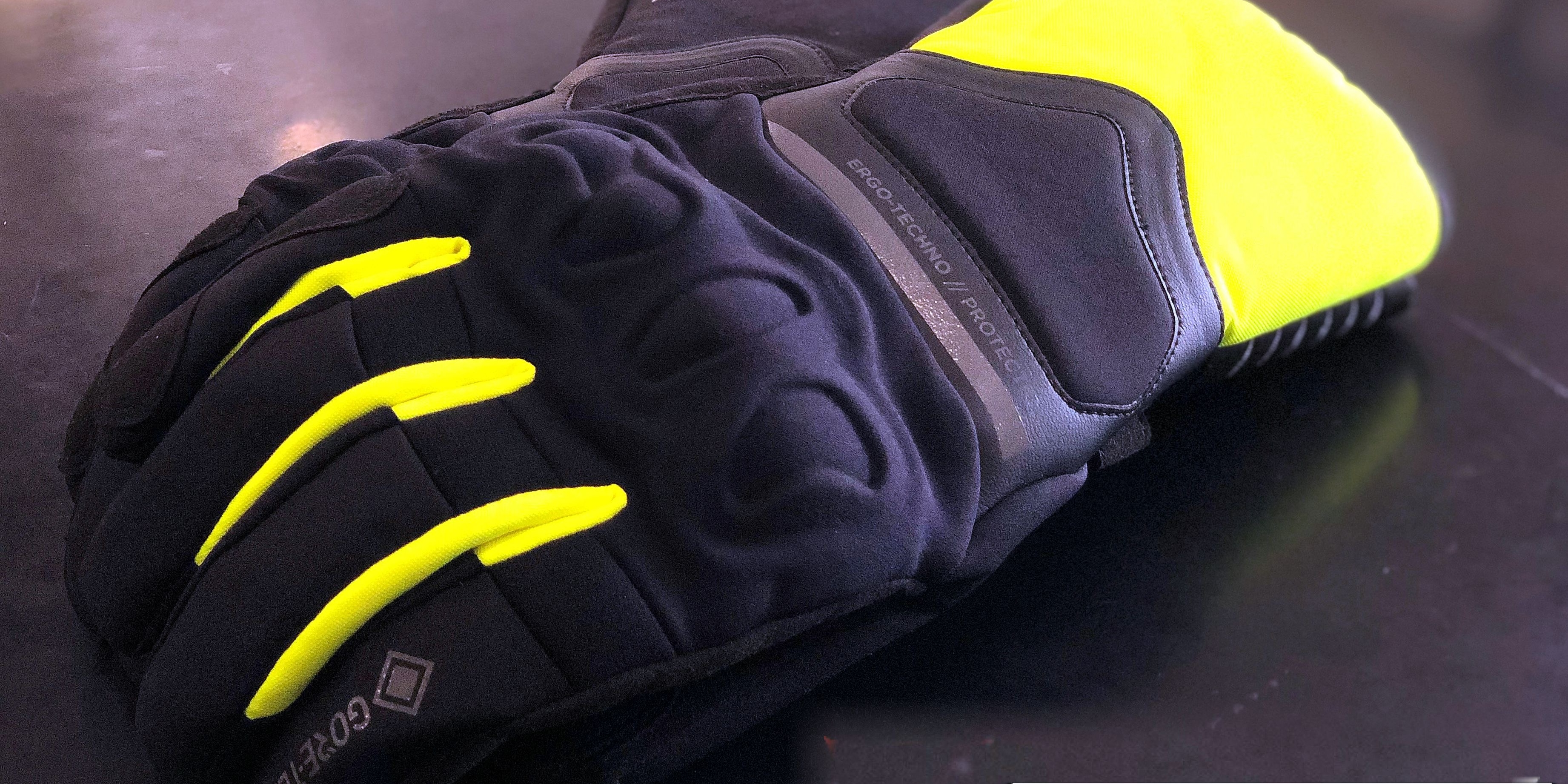 指先が冷えるこれからに 「NEMBO GORE-TEX® GLOVES+GORE GRIP TECHNOLOGY」