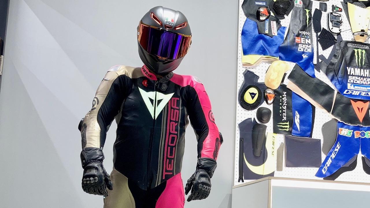 ダイネーゼ最高峰レーシングスーツ【MUGELLO RR D-AIR RACING SUIT】