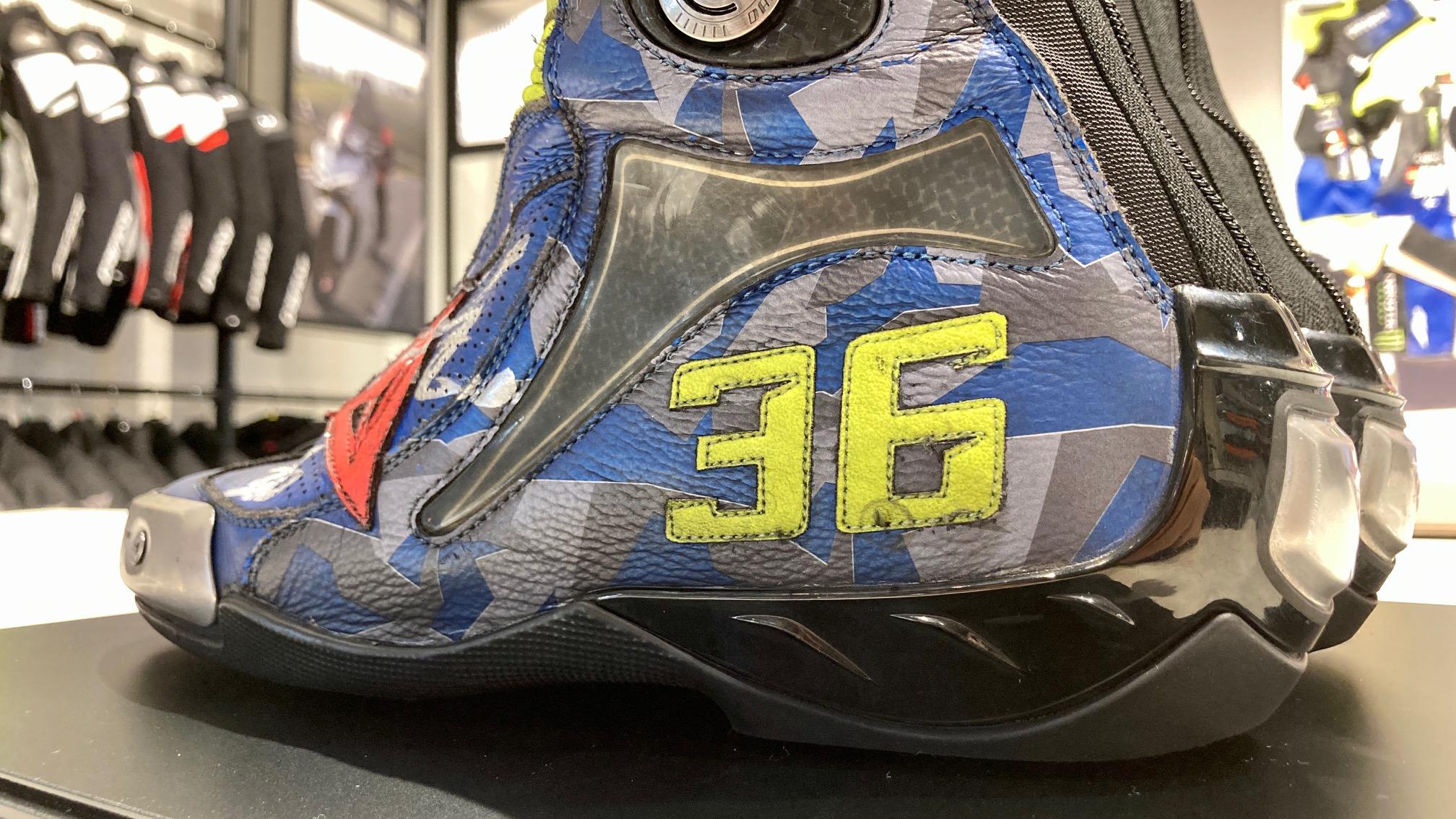 2020MotoGPチャンピオン、ジョアン・ミル選手のブーツを特別展示