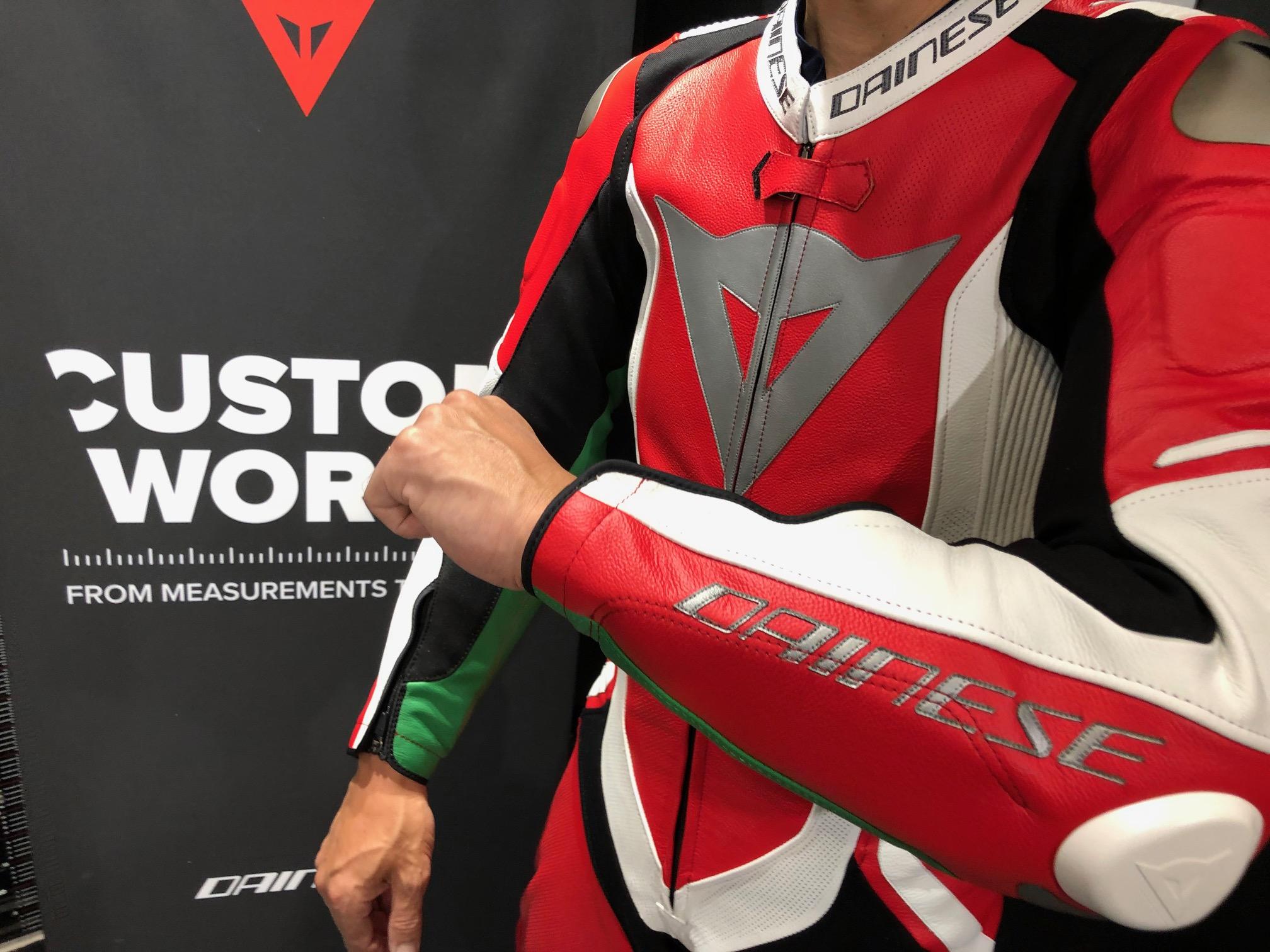 【CUSTOM WORKS】オーダーメイドのレーシングスーツのご紹介