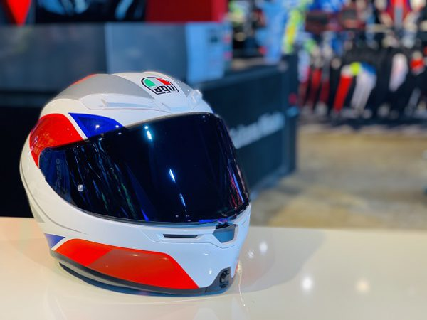K6 AGV - HYPHEN WHITE/RED/BLUE カラーの紹介