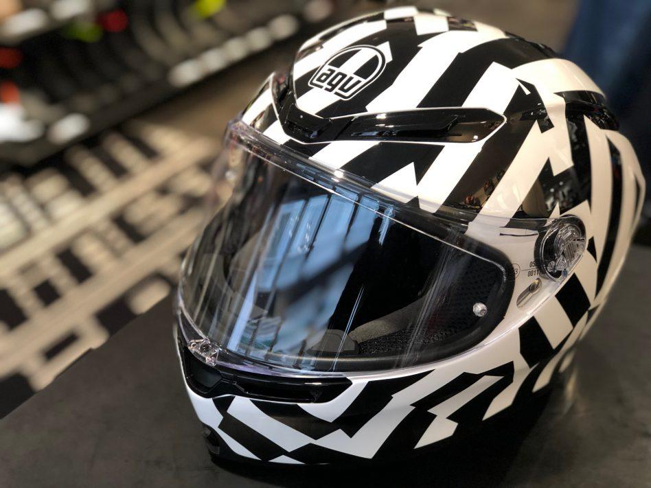 軽量AGVヘルメット最新モデル【K6】