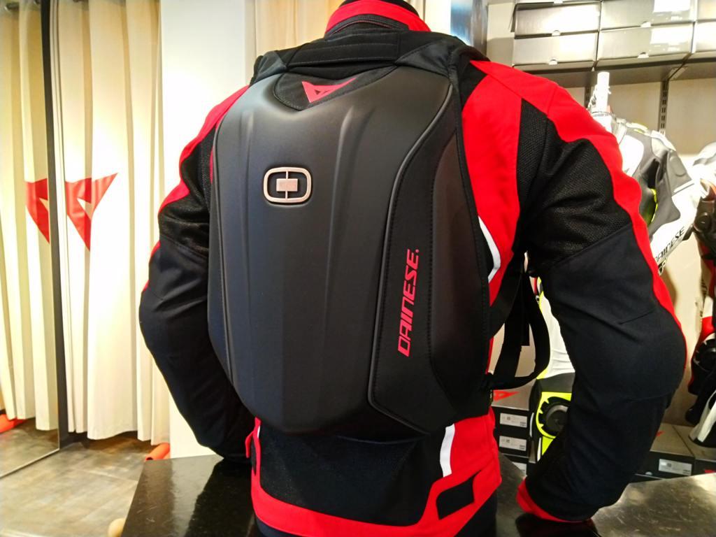 スポーツバイクユーザーにお勧めの軽くコンパクトなシェルバッグが登場