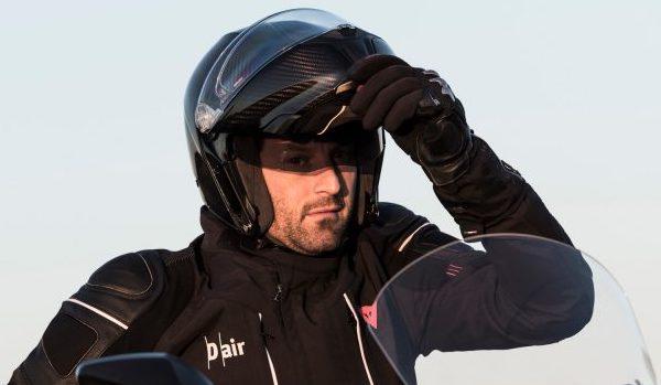 ツーリングをもっと楽しくするのはどんなヘルメット?