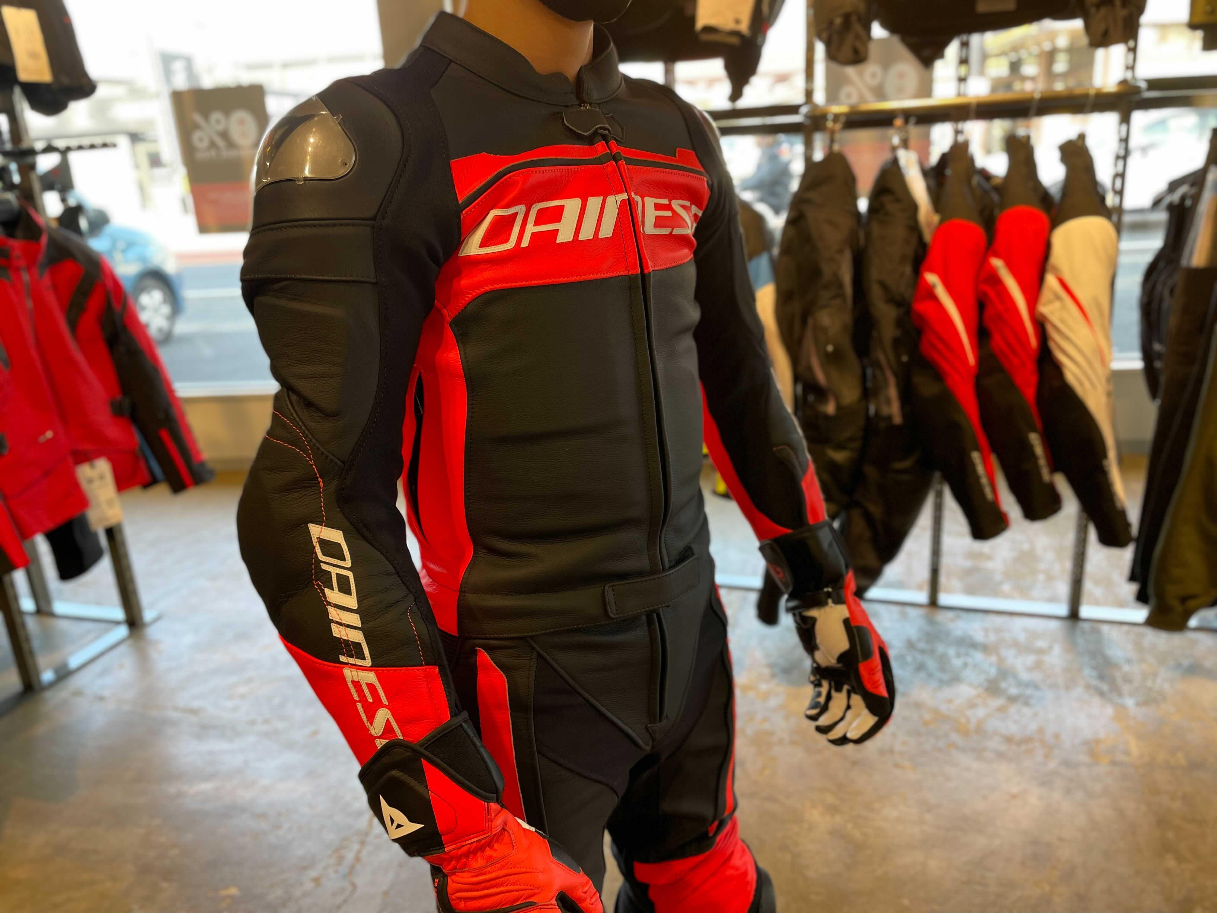 【MISTEL 2PC SUIT】 新作2ピーススーツで合わせるスポーツスタイル