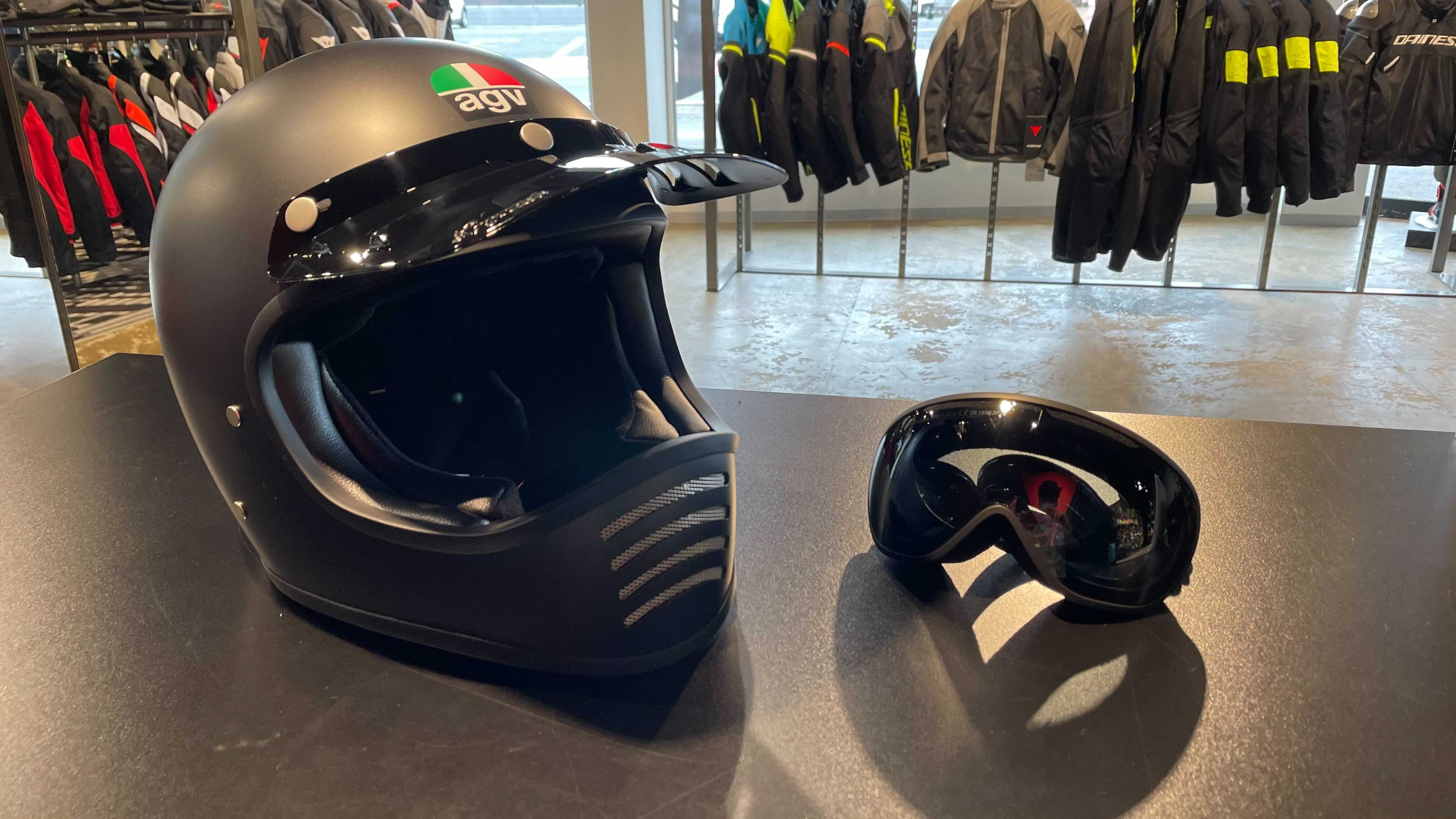 新作AGVヘルメットX101のご紹介