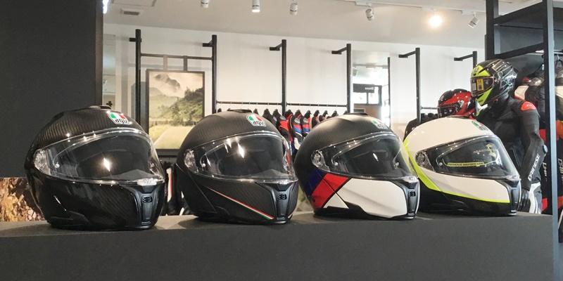 ツーリングに便利なヘルメット AGV SPORTMODULARのご紹介